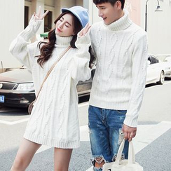 Bay Go Mall - Turtleneck Couple Matching Sweater