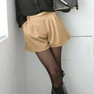 Tokyo Fashion - Pleated Buttoned Shorts