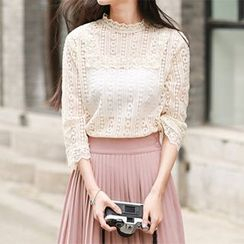 Jolly Club - Set: Lace Top + Pleated Skirt