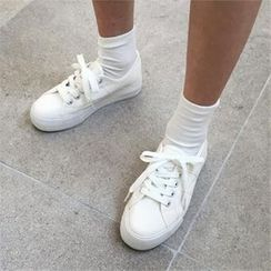 QNIGIRLS - Lace-Up Canvas Sneakers