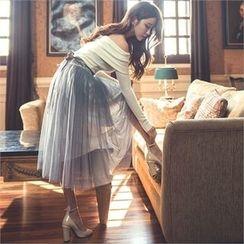 ERANZI - Set: Off-Shoulder Knit Top + Midi Tulle Skirt
