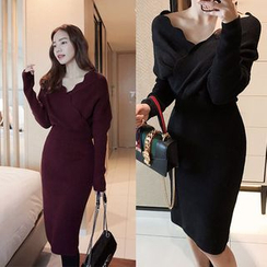Seoul Fashion - Scallop-Neck Wool Blend Knit Midi Dress