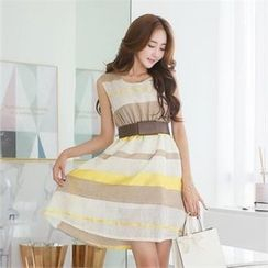 Styleonme - Sleeveless Striped A-Line Dress with Buckled Belt