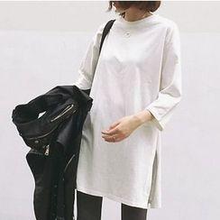 MATO - 3/4-Sleeve Side Slit T-Shirt