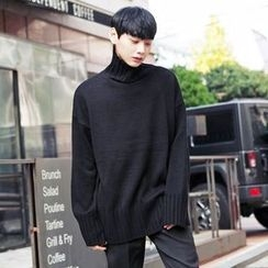 TOMONARI - Turtle-Neck Knit Top