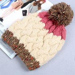 Amandier - Cable Knit Beanie