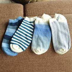 Knit a Bit - 圖案襪