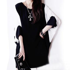 Dream Girl - Batwing Sleeve Two-Tone Shift Dress