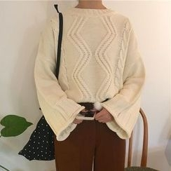 Lyrae - Cable-Knit Sweater