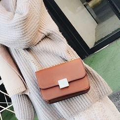 Albatross - Chain Strap Faux Leather Shoulder Bag