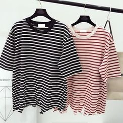 DIYI - Distressed Loose-Fit Striped Short Sleeve T-Shirt