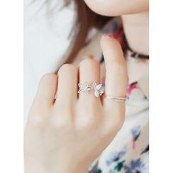 kitsch island - Floral Rhinestone Ring