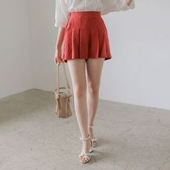 WITH IPUN - Band-Waist Pleated Linen Shorts