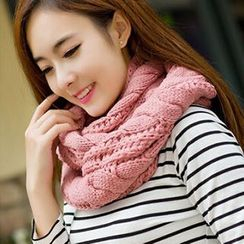Rita Zita - Cable Knit Circle Scarf