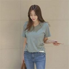 TOM & RABBIT - V-Neck Short-Sleeve T-Shirt