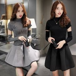 Romantica - Set: Mock-Neck Knit Top + A-Line Skirt