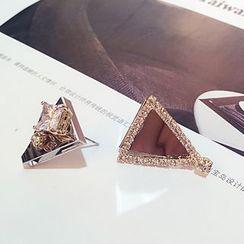Jemai - 不对称三角耳环
