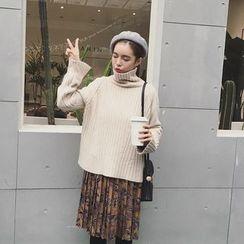 EKOOL - Turtleneck Slit-Side Sweater