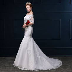 Coeur Wedding - Sequined V-Neck Trained Wedding Dress