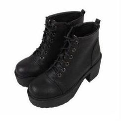 Mancienne - Lace-Up Platform Ankle Boots