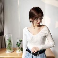 QZ Lady - V-Neck Knit Pullover