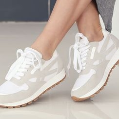 DANI LOVE - Two-Tone Sneakers