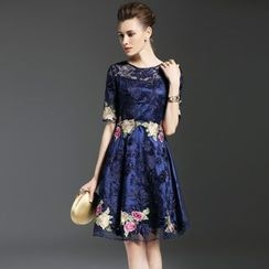 Elabo - Embroidered Short-Sleeve A-Line Dress