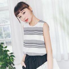 Tokyo Fashion - Print Sleeveless Top