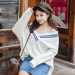 Glen Glam - Contrast Trim V-Neck Sweater