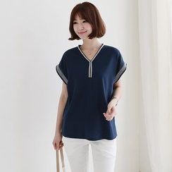 CLICK - Cotton Blend Placket Top