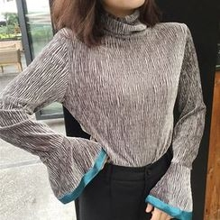 Anlay - Slim-Fit Turtleneck Color-Block Bell-Sleeve Top