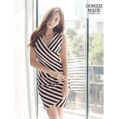 GUMZZI - 无袖条纹裹式连衣裙