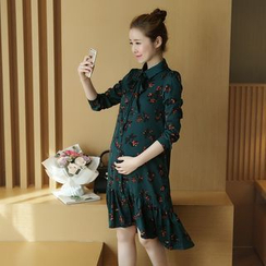 Mamaladies - Long-Sleeved Floral Print Maternity Crewneck Sheath Dress