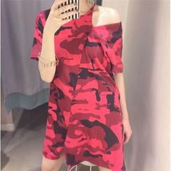 THE XIBI - Cut Out Shoulder Camo Short Sleeve T-Shirt Dress