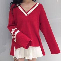 Cloud Nine - V-Neck Knit Pullover