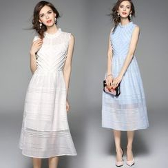 Queen Mulock - Sleeveless Lace-Panel Dress