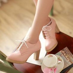 77Queen - Lace-Up Pumps