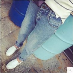 Oaksa - Washed Straight Leg Jeans