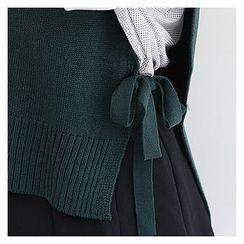 Sechuna - V-Neck Beribboned-Side Knit Vest