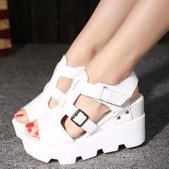 BAYO - Studded Platform Sandals