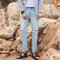 Flambeau - Distressed Jeans