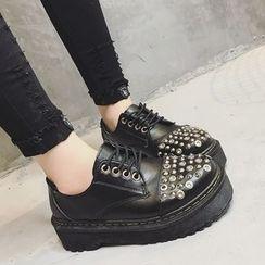 時尚麥樂 - 飾釘厚底皮鞋