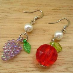 Fit-to-Kill - Colorful apple and grape with Pearl Earrings