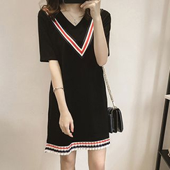 lilygirl - Elbow-Sleeve Pleated Hem T-Shirt Dress
