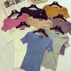 Octavia - V-Neck Ribbed Short Sleeve T-Shirt