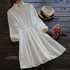 YOYO - 长袖刺绣连衣裙