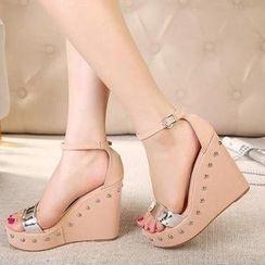 Mancienne - Studded Wedge Sandals