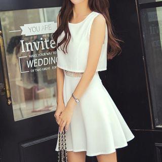 Cobogarden - Mock Two-Piece Sleeveless Dress