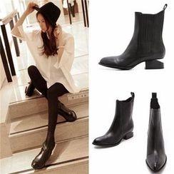 Romantina - Pointy Short Boots