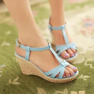 77Queen - T-Strap Patent Wedge Sandals